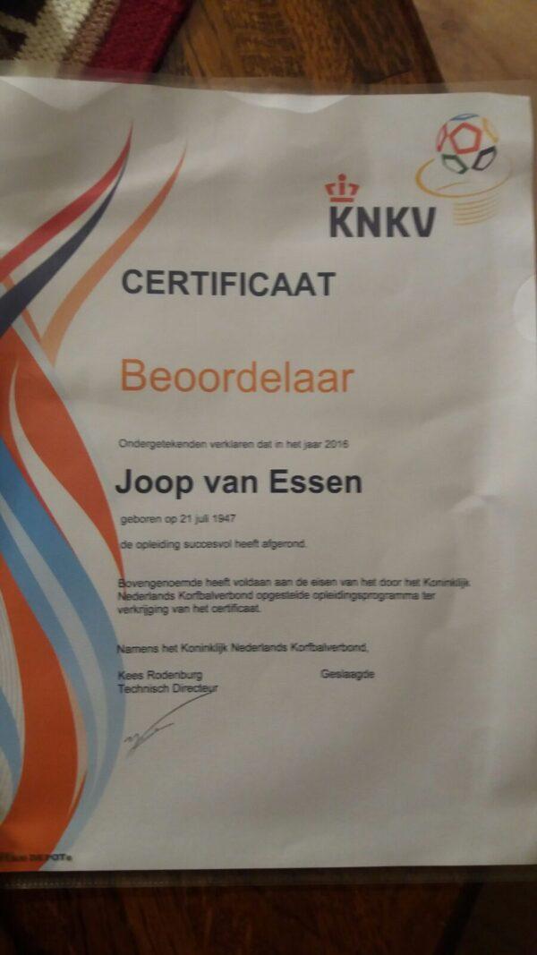 Joop van Essen behaalt beoordelaarscertificaat